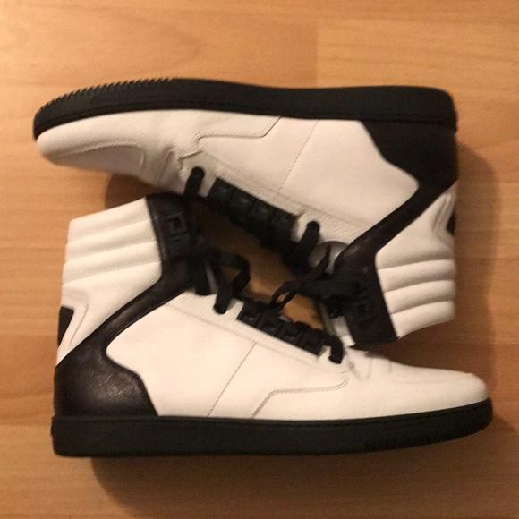 9520dad5 Men Versace sneakers